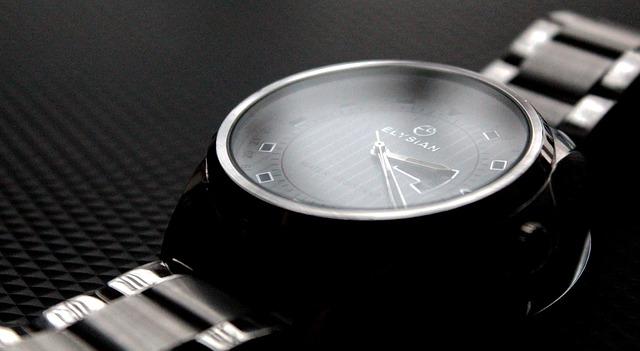 wrist-watch-573395_640